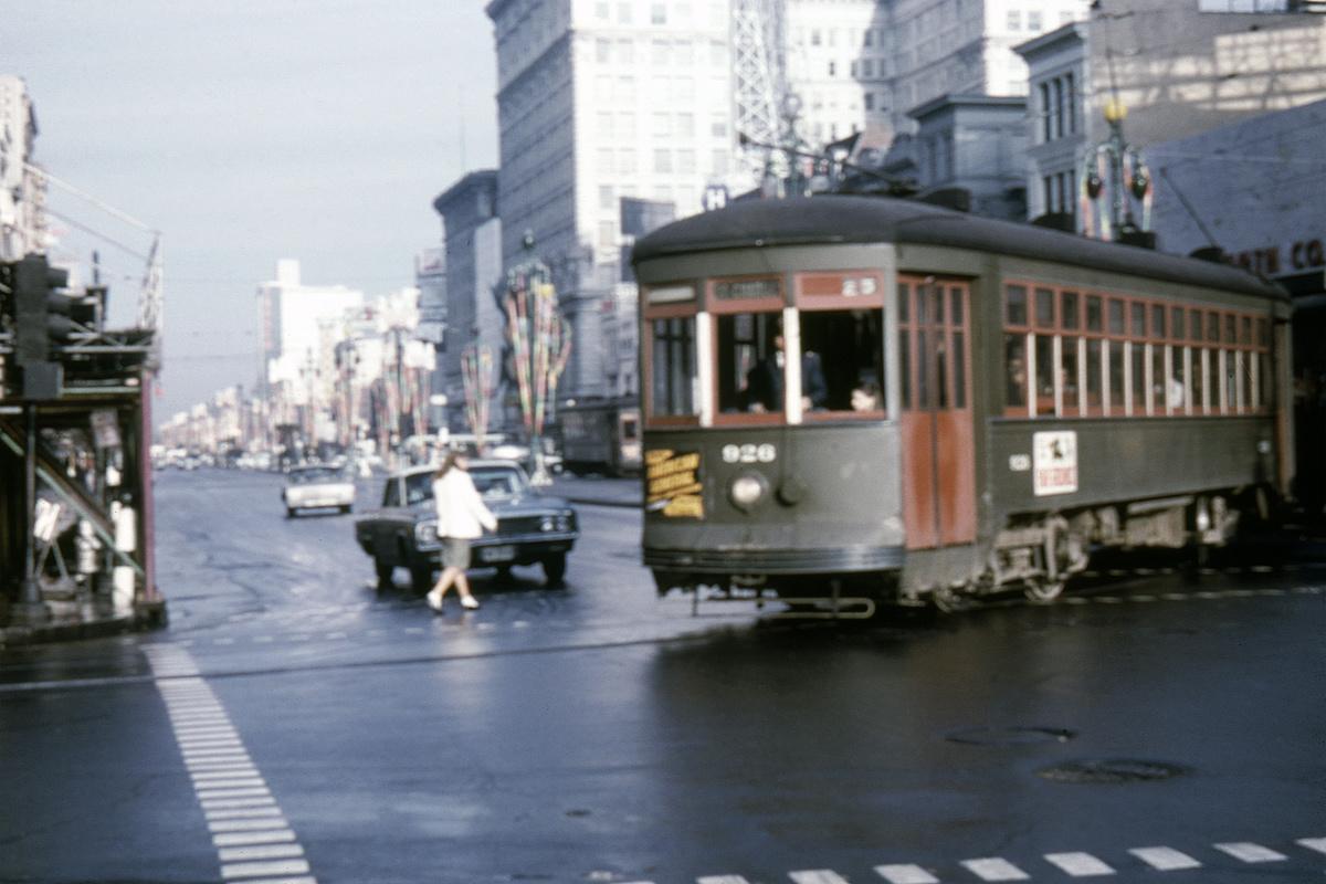 (383k, 1200x800)<br><b>Country:</b> United States<br><b>City:</b> New Orleans, LA<br><b>System:</b> New Orleans RTA<br><b>Line:</b> St. Charles<br><b>Location:</b> Canal/St. Charles<br><b>Car:</b> New Orleans Public Service (Perley A. Thomas Car Works, 1924) 926 <br><b>Photo by:</b> Gerald H. Landau<br><b>Collection of:</b> David Pirmann<br><b>Date:</b> 1/31/1964<br><b>Viewed (this week/total):</b> 0 / 64