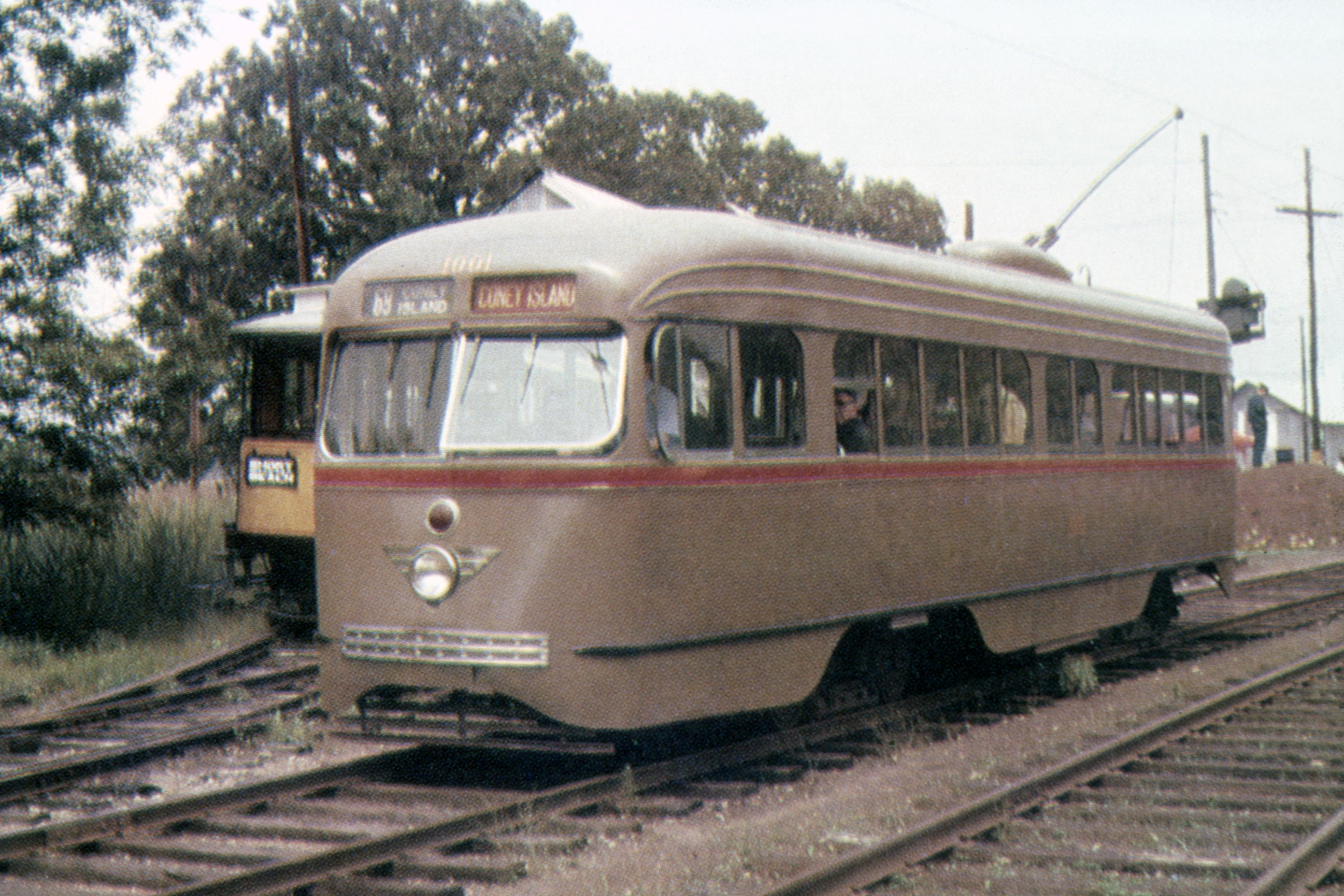 (5678k, 5000x3334)<br><b>Country:</b> United States<br><b>City:</b> East Haven/Branford, Ct.<br><b>System:</b> Shore Line Trolley Museum<br><b>Car:</b> B&QT/BMT 1001 <br><b>Photo by:</b> Ed Davis, Sr.<br><b>Collection of:</b> David Pirmann<br><b>Viewed (this week/total):</b> 0 / 50