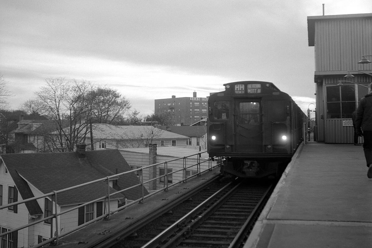 (320k, 1200x800)<br><b>Country:</b> United States<br><b>City:</b> New York<br><b>System:</b> New York City Transit<br><b>Line:</b> IND Rockaway<br><b>Location:</b> Mott Avenue/Far Rockaway <br><b>Route:</b> HH<br><b>Car:</b> R-9 Series (Number Unknown)  <br><b>Collection of:</b> David Pirmann<br><b>Date:</b> 11/14/1965<br><b>Viewed (this week/total):</b> 12 / 75