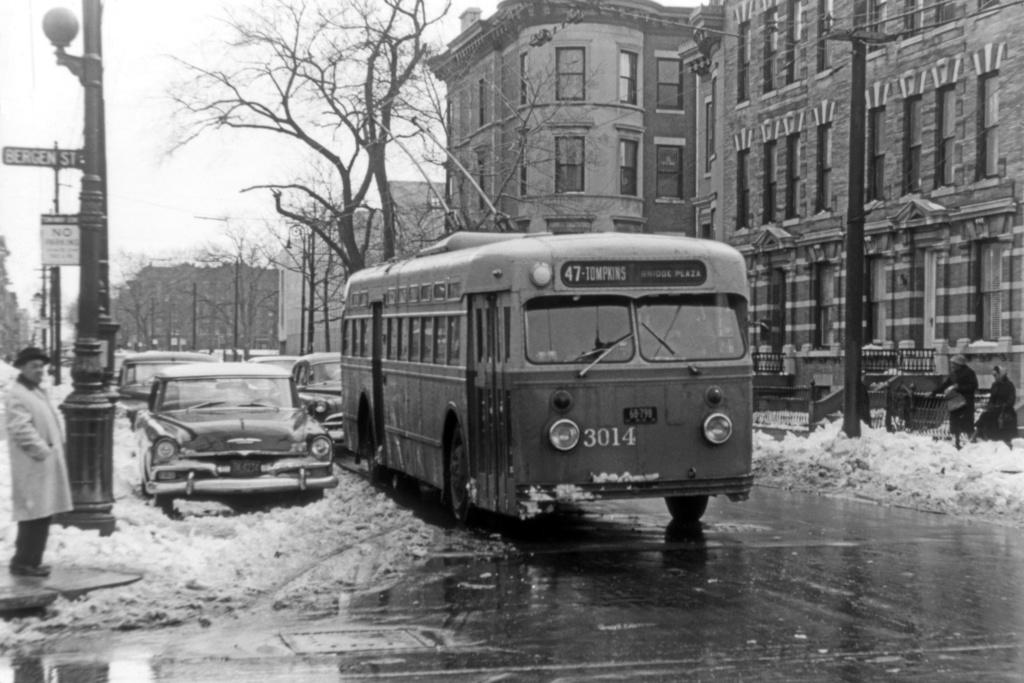 (235k, 1024x683)<br><b>Country:</b> United States<br><b>City:</b> New York<br><b>System:</b> B&QT Trolleybus<br><b>Location:</b> Kingston/Bergen<br><b>Car:</b>  3014 <br><b>Collection of:</b> David Pirmann<br><b>Viewed (this week/total):</b> 3 / 3966