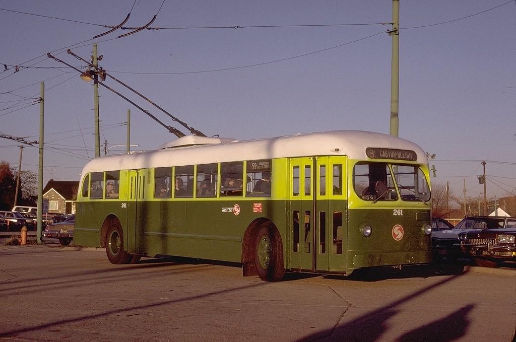 (204k, 1024x679)<br><b>Country:</b> United States<br><b>City:</b> Philadelphia, PA<br><b>System:</b> SEPTA (or Predecessor)<br><b>Line:</b> SEPTA Trackless Trolley Routes<br><b>Route:</b> Fan Trip<br><b>Car:</b> PTC/SEPTA ACF-Brill TC-44 Trackless (1947) 261 <br><b>Photo by:</b> Gerald H. Landau<br><b>Collection of:</b> Joe Testagrose<br><b>Date:</b> 12/1975<br><b>Notes:</b> Castor Loop<br><b>Viewed (this week/total):</b> 0 / 1242