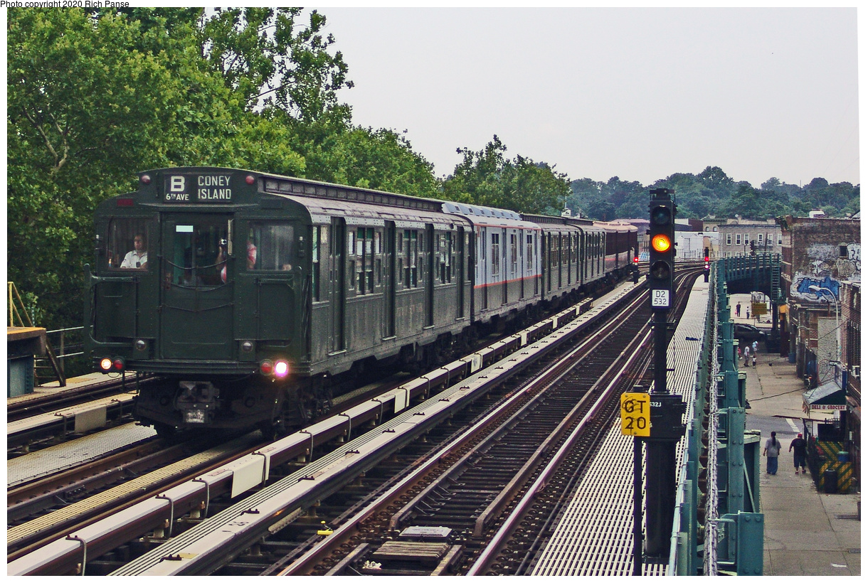 (613k, 1220x820)<br><b>Country:</b> United States<br><b>City:</b> New York<br><b>System:</b> New York City Transit<br><b>Line:</b> BMT West End Line<br><b>Location:</b> Fort Hamilton Parkway<br><b>Route:</b> Museum Train Service<br><b>Car:</b> R-1 (American Car & Foundry, 1930-1931) 484 <br><b>Photo by:</b> Richard Panse<br><b>Date:</b> 7/18/2004<br><b>Viewed (this week/total):</b> 2 / 38