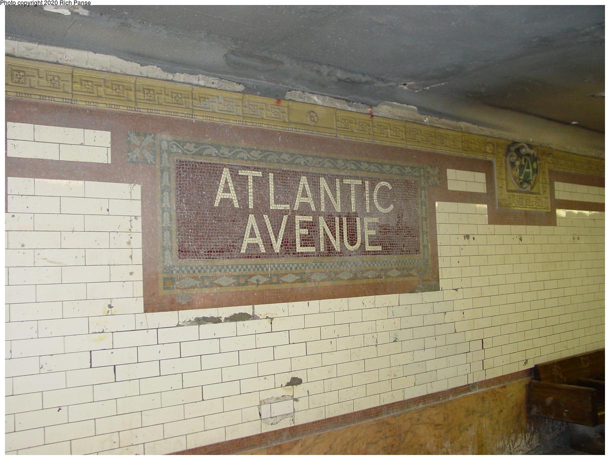 (435k, 1220x920)<br><b>Country:</b> United States<br><b>City:</b> New York<br><b>System:</b> New York City Transit<br><b>Line:</b> IRT Brooklyn Line<br><b>Location:</b> Atlantic Avenue<br><b>Photo by:</b> Richard Panse<br><b>Date:</b> 5/14/2003<br><b>Viewed (this week/total):</b> 4 / 24