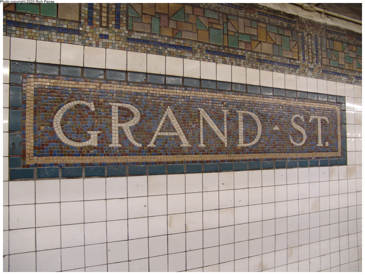 (487k, 1220x920)<br><b>Country:</b> United States<br><b>City:</b> New York<br><b>System:</b> New York City Transit<br><b>Line:</b> BMT Canarsie Line<br><b>Location:</b> Grand Street<br><b>Photo by:</b> Richard Panse<br><b>Date:</b> 12/15/2003<br><b>Viewed (this week/total):</b> 3 / 14