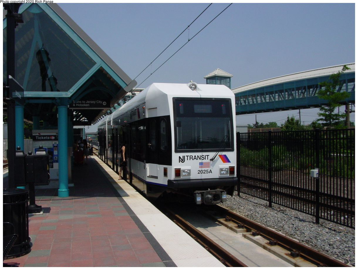 (396k, 1220x920)<br><b>Country:</b> United States<br><b>City:</b> Bayonne, NJ<br><b>System:</b> Hudson Bergen Light Rail<br><b>Location:</b> East 34th Street<br><b>Car:</b> NJT-HBLR LRV (Kinki-Sharyo, 1998-99) 2025 <br><b>Photo by:</b> Richard Panse<br><b>Date:</b> 6/24/2003<br><b>Viewed (this week/total):</b> 3 / 10