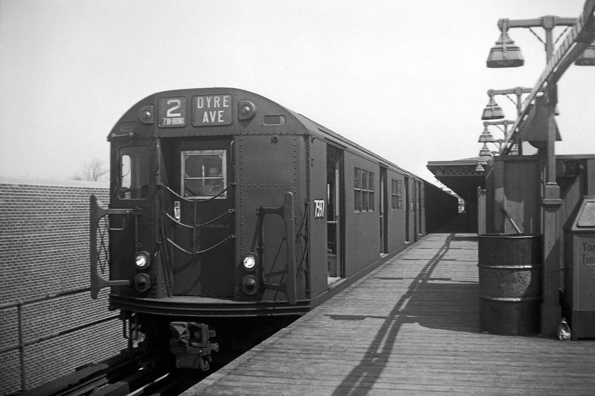 (356k, 1200x800)<br><b>Country:</b> United States<br><b>City:</b> New York<br><b>System:</b> New York City Transit<br><b>Line:</b> IRT Brooklyn Line<br><b>Location:</b> New Lots Avenue<br><b>Route:</b> 2<br><b>Car:</b> R-22 (St. Louis, 1957-58) 7597 <br><b>Collection of:</b> David Pirmann<br><b>Date:</b> 4/5/1959<br><b>Viewed (this week/total):</b> 2 / 133