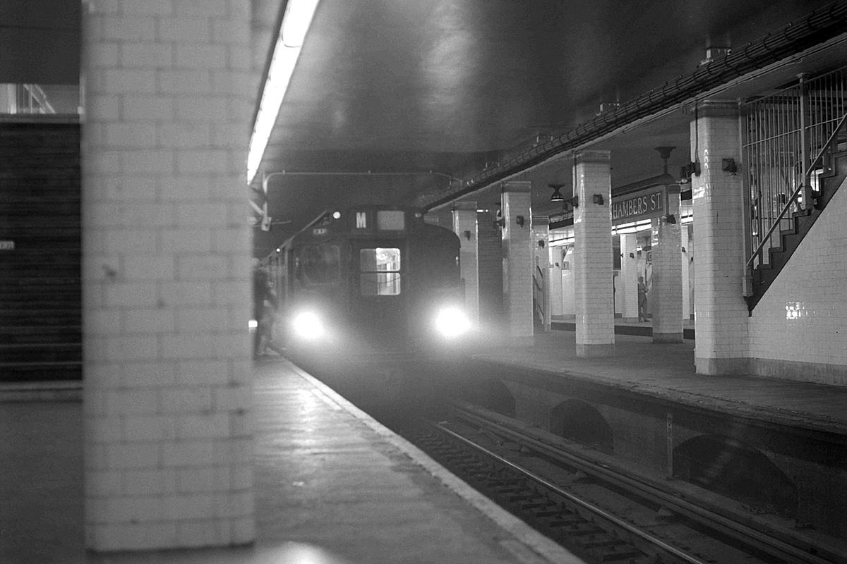 (322k, 1200x800)<br><b>Country:</b> United States<br><b>City:</b> New York<br><b>System:</b> New York City Transit<br><b>Line:</b> BMT Nassau Street-Jamaica Line<br><b>Location:</b> Chambers Street<br><b>Route:</b> M<br><b>Car:</b> R-1/R-9 Series  <br><b>Collection of:</b> David Pirmann<br><b>Date:</b> 7/22/1969<br><b>Viewed (this week/total):</b> 1 / 222