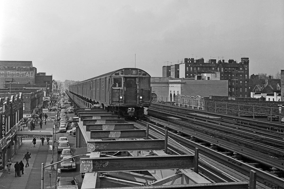(395k, 1200x800)<br><b>Country:</b> United States<br><b>City:</b> New York<br><b>System:</b> New York City Transit<br><b>Line:</b> BMT West End Line<br><b>Location:</b> 20th Avenue<br><b>Route:</b> B<br><b>Car:</b> R-32 (Budd, 1964)  <br><b>Collection of:</b> David Pirmann<br><b>Date:</b> 3/20/1971<br><b>Viewed (this week/total):</b> 10 / 471