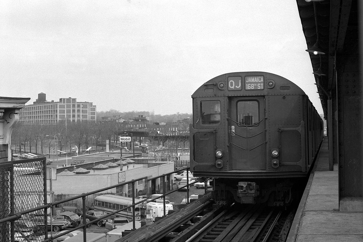 (383k, 1200x800)<br><b>Country:</b> United States<br><b>City:</b> New York<br><b>System:</b> New York City Transit<br><b>Line:</b> BMT Culver Line<br><b>Location:</b> Ditmas Avenue-Shuttle<br><b>Route:</b> Culver Shuttle<br><b>Car:</b> R-27/R-30 Series (Number Unknown)  <br><b>Collection of:</b> David Pirmann<br><b>Date:</b> 4/4/1970<br><b>Viewed (this week/total):</b> 3 / 450