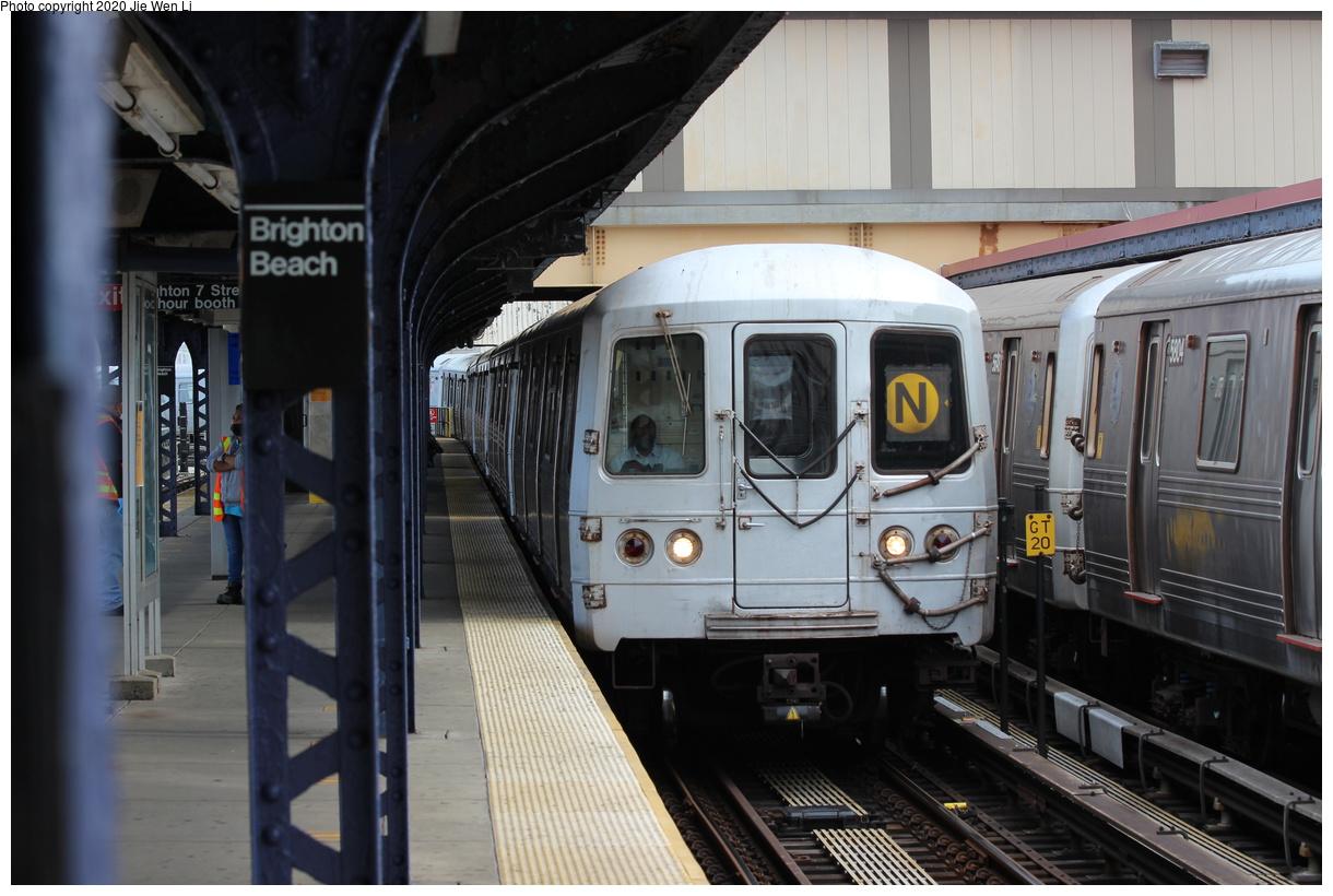 (354k, 1220x820)<br><b>Country:</b> United States<br><b>City:</b> New York<br><b>System:</b> New York City Transit<br><b>Line:</b> BMT Brighton Line<br><b>Location:</b> Brighton Beach<br><b>Route:</b> N<br><b>Car:</b> R-46 (Pullman-Standard, 1974-75) 5770 <br><b>Photo by:</b> Jie Wen Li<br><b>Date:</b> 10/10/2020<br><b>Notes:</b> Weekend reroute.<br><b>Viewed (this week/total):</b> 3 / 237