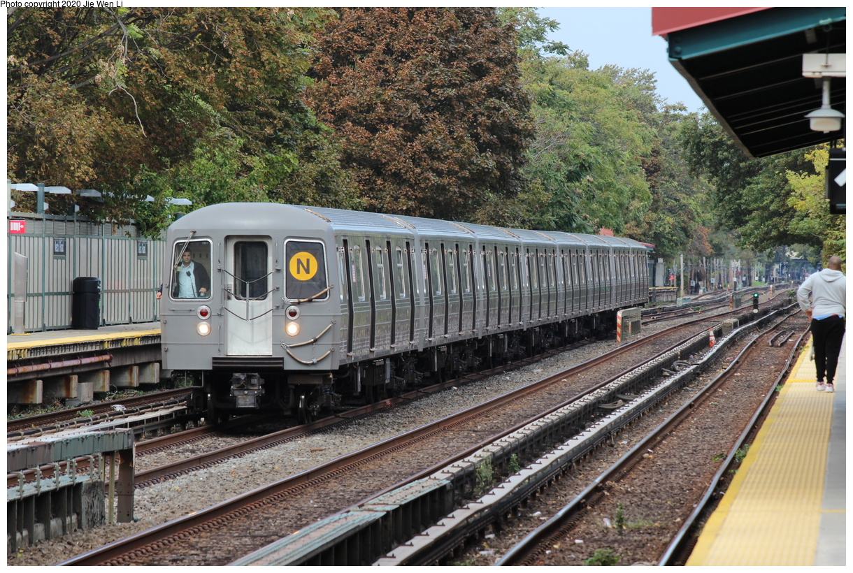(600k, 1220x820)<br><b>Country:</b> United States<br><b>City:</b> New York<br><b>System:</b> New York City Transit<br><b>Line:</b> BMT Brighton Line<br><b>Location:</b> Neck Road<br><b>Route:</b> N<br><b>Car:</b> R-68A (Kawasaki, 1988-1989) 5074 <br><b>Photo by:</b> Jie Wen Li<br><b>Date:</b> 10/10/2020<br><b>Notes:</b> Weekend reroute.<br><b>Viewed (this week/total):</b> 3 / 94