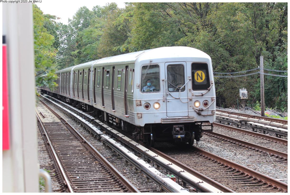 (571k, 1220x820)<br><b>Country:</b> United States<br><b>City:</b> New York<br><b>System:</b> New York City Transit<br><b>Line:</b> BMT Brighton Line<br><b>Location:</b> Avenue J<br><b>Route:</b> N<br><b>Car:</b> R-46 (Pullman-Standard, 1974-75) 5482 <br><b>Photo by:</b> Jie Wen Li<br><b>Date:</b> 10/10/2020<br><b>Notes:</b> Weekend reroute.<br><b>Viewed (this week/total):</b> 3 / 65