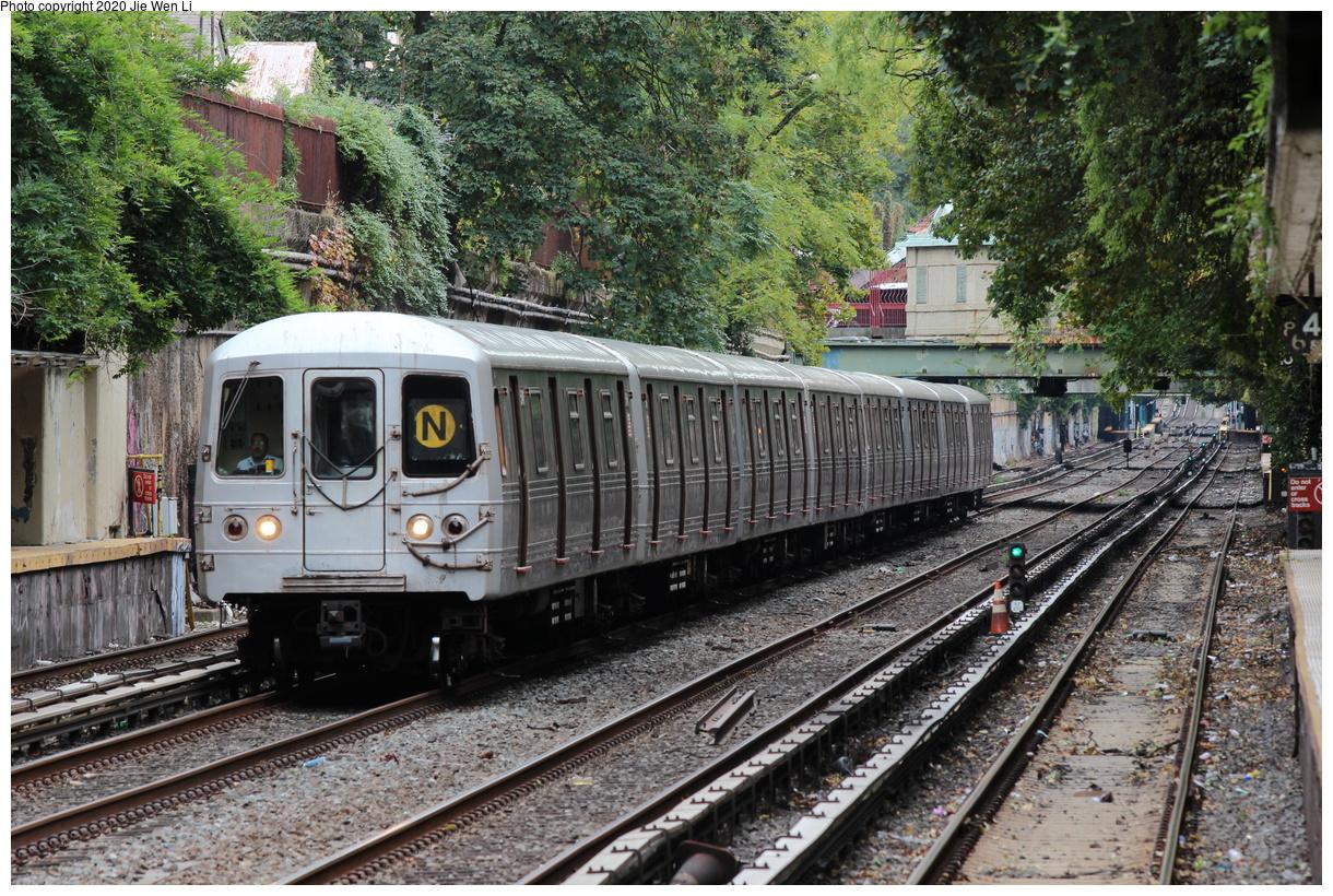 (622k, 1220x820)<br><b>Country:</b> United States<br><b>City:</b> New York<br><b>System:</b> New York City Transit<br><b>Line:</b> BMT Brighton Line<br><b>Location:</b> Beverley Road<br><b>Route:</b> N<br><b>Car:</b> R-46 (Pullman-Standard, 1974-75) 5646 <br><b>Photo by:</b> Jie Wen Li<br><b>Date:</b> 10/10/2020<br><b>Notes:</b> Weekend reroute.<br><b>Viewed (this week/total):</b> 1 / 35