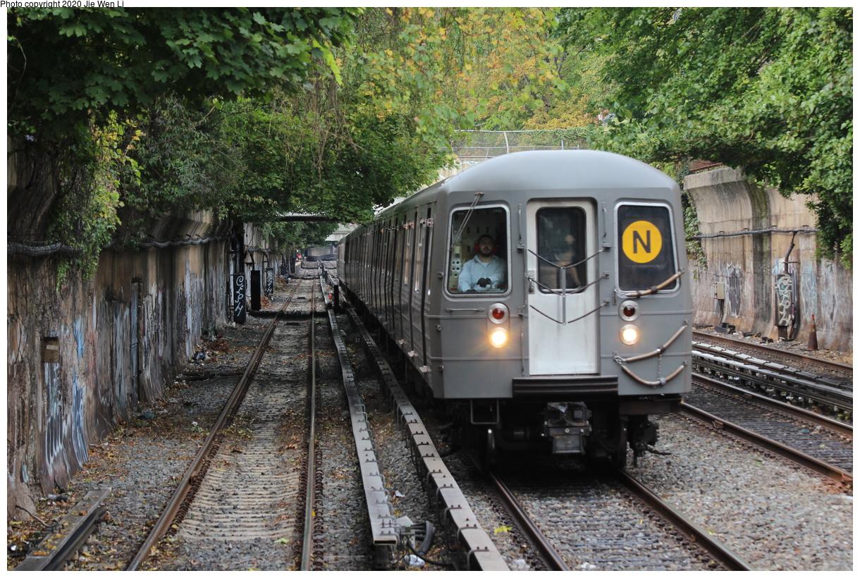 (575k, 1220x820)<br><b>Country:</b> United States<br><b>City:</b> New York<br><b>System:</b> New York City Transit<br><b>Line:</b> BMT Brighton Line<br><b>Location:</b> Newkirk Plaza<br><b>Route:</b> N<br><b>Car:</b> R-68A (Kawasaki, 1988-1989) 5074 <br><b>Photo by:</b> Jie Wen Li<br><b>Date:</b> 10/10/2020<br><b>Notes:</b> Weekend reroute.<br><b>Viewed (this week/total):</b> 4 / 70