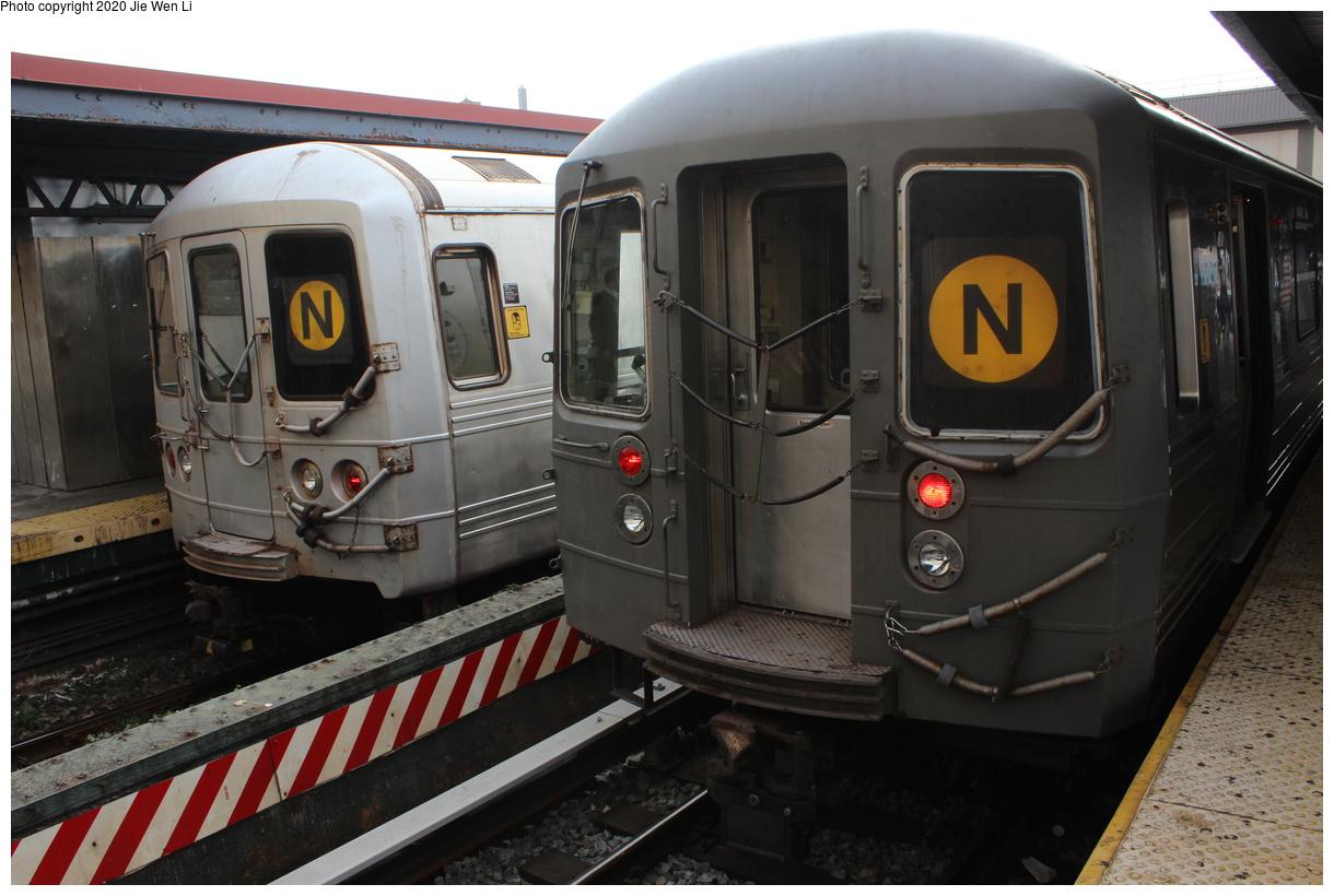 (350k, 1220x820)<br><b>Country:</b> United States<br><b>City:</b> New York<br><b>System:</b> New York City Transit<br><b>Line:</b> BMT Brighton Line<br><b>Location:</b> Brighton Beach<br><b>Route:</b> N<br><b>Car:</b> R-68 (Westinghouse-Amrail, 1986-1988) 2782 <br><b>Photo by:</b> Jie Wen Li<br><b>Date:</b> 10/10/2020<br><b>Notes:</b> Weekend reroute. With R-46 5482 on left.<br><b>Viewed (this week/total):</b> 2 / 103