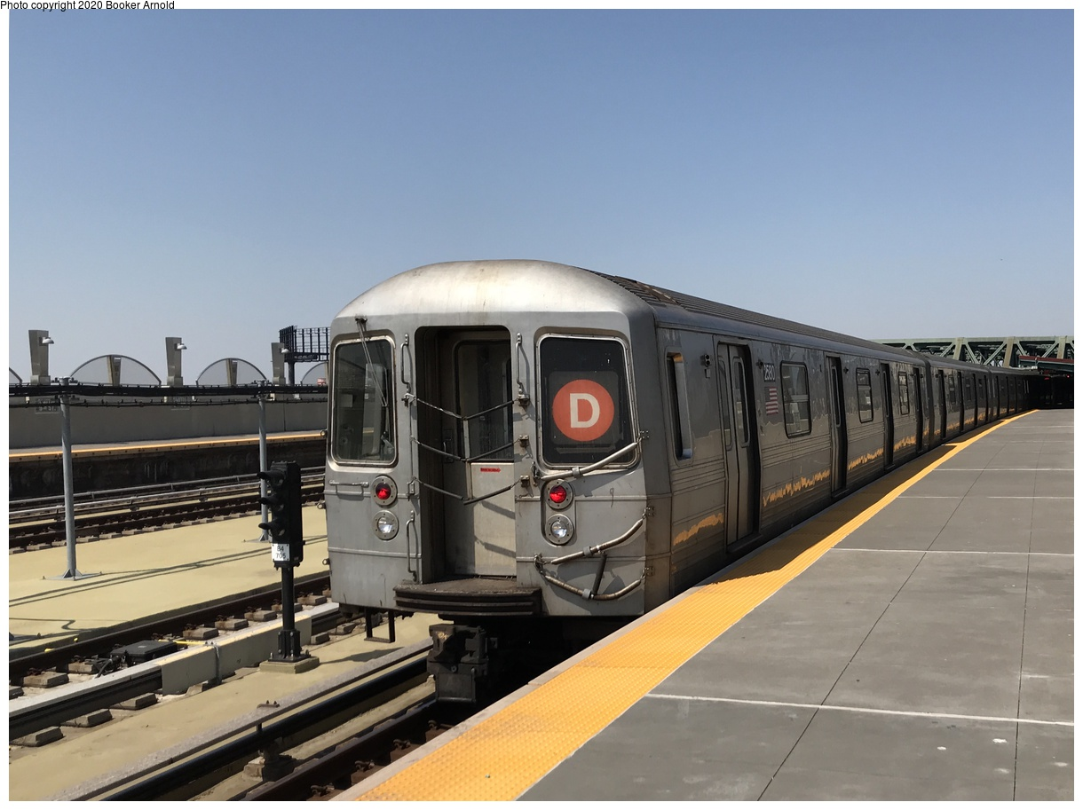 (297k, 1220x913)<br><b>Country:</b> United States<br><b>City:</b> New York<br><b>System:</b> New York City Transit<br><b>Line:</b> IND Crosstown Line<br><b>Location:</b> Smith/9th Street<br><b>Route:</b> D rerout<br><b>Car:</b> R-68 (Westinghouse-Amrail, 1986-1988) 2580 <br><b>Photo by:</b> Booker Arnold<br><b>Date:</b> 4/14/2018<br><b>Notes:</b> This photo was taken on a weekend during which the 6th Avenue Line was closed for repairs; as a result, D trains ran via the A line from 59 Street to Jay Street, then via the F from Jay Street to Coney Island. F trains ran via the Q line from Lex Av-63 St to Atlantic Avenue (skipping DeKalb), then via the D to Coney Island. The Brooklyn reroute for both lines can be better summarized like this: D and F trains swapped roles in Brooklyn.<br><b>Viewed (this week/total):</b> 1 / 284