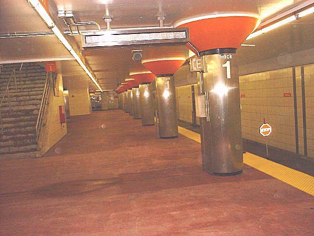 (75k, 640x480)<br><b>Country:</b> United States<br><b>City:</b> Philadelphia, PA<br><b>System:</b> SEPTA (or Predecessor)<br><b>Line:</b> Broad Street Subway<br><b>Location:</b> Pattison <br><b>Photo by:</b> Peggy Darlington<br><b>Date:</b> 5/2000<br><b>Viewed (this week/total):</b> 0 / 5018