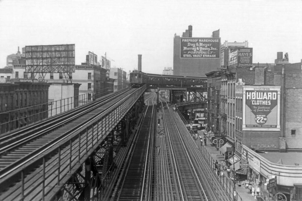 (232k, 1024x683)<br><b>Country:</b> United States<br><b>City:</b> New York<br><b>System:</b> New York City Transit<br><b>Line:</b> 2nd Avenue El<br><b>Location:</b> 57th Street<br><b>Photo by:</b> Frank Goldsmith<br><b>Collection of:</b> David Pirmann<br><b>Notes:</b> Looking north toward Queensborough Bridge spur<br><b>Viewed (this week/total):</b> 1 / 17554