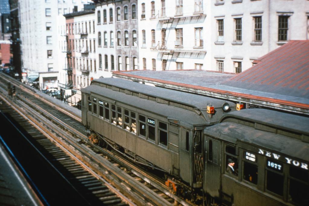 (372k, 1044x705)<br><b>Country:</b> United States<br><b>City:</b> New York<br><b>System:</b> New York City Transit<br><b>Line:</b> 3rd Avenue El<br><b>Location:</b> 34th Street <br><b>Car:</b> MUDC 1205 <br><b>Collection of:</b> David Pirmann<br><b>Notes:</b> Looking north from overpass<br><b>Viewed (this week/total):</b> 2 / 4278