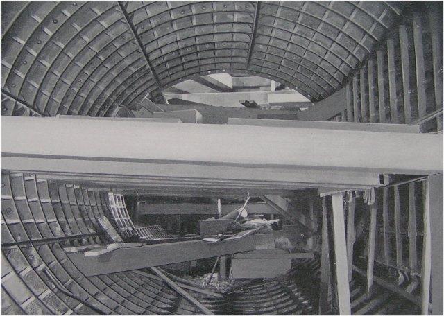 (72k, 640x456)<br><b>Country:</b> United States<br><b>City:</b> New York<br><b>System:</b> New York City Transit<br><b>Location:</b> Interborough Subway<br><b>Photo by:</b> IRT Company<br><b>Date:</b> 1904<br><b>Notes:</b> Section of Harlem River Tunnel during construction<br><b>Viewed (this week/total):</b> 0 / 5860
