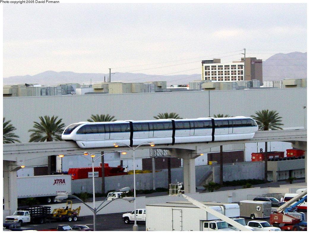 (208k, 1044x788)<br><b>Country:</b> United States<br><b>City:</b> Las Vegas, NV<br><b>System:</b> Las Vegas Monorail<br><b>Location:</b> Between Convention Center & Harrah's <br><b>Photo by:</b> David Pirmann<br><b>Date:</b> 4/22/2005<br><b>Viewed (this week/total):</b> 2 / 3316