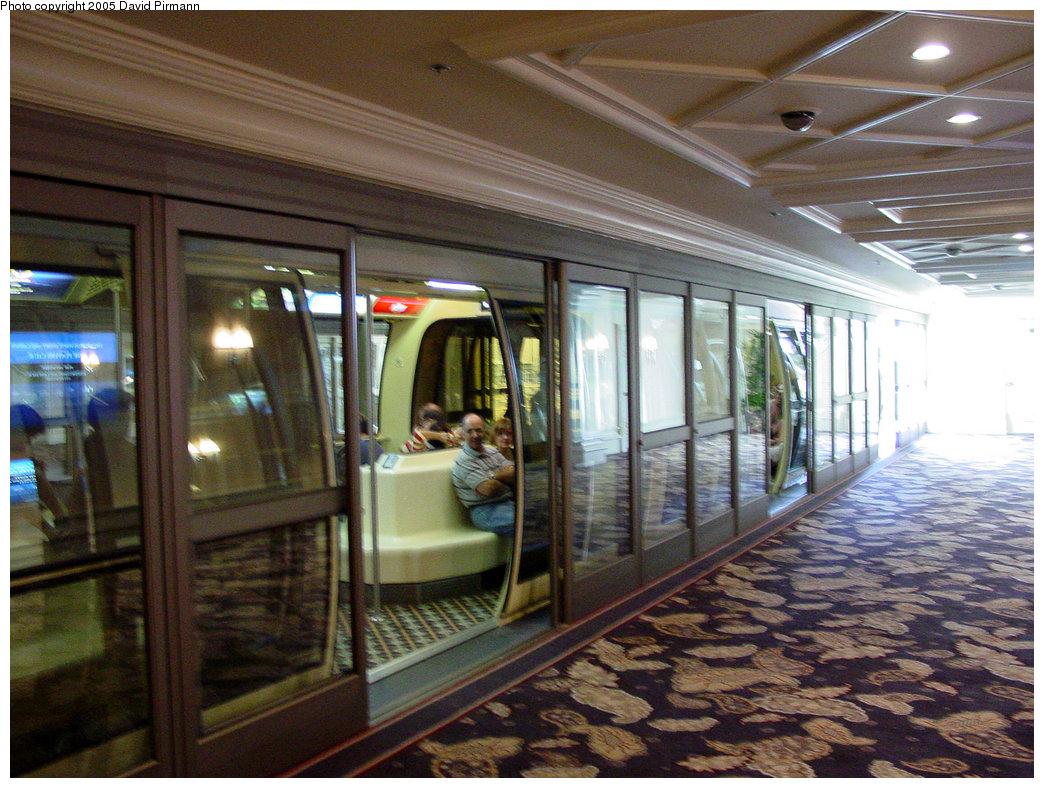 (254k, 1044x788)<br><b>Country:</b> United States<br><b>City:</b> Las Vegas, NV<br><b>System:</b> Monte Carlo / Bellagio Tram<br><b>Location:</b> Bellagio Station<br><b>Photo by:</b> David Pirmann<br><b>Date:</b> 4/23/2005<br><b>Viewed (this week/total):</b> 0 / 3691