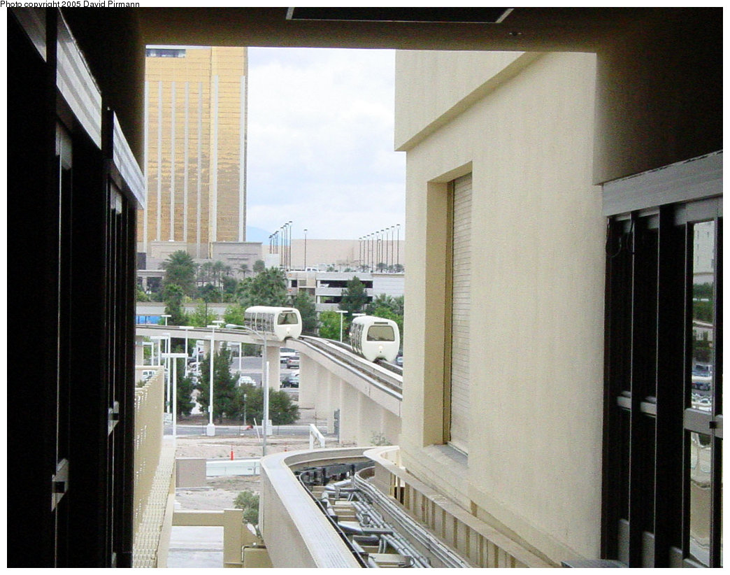 (214k, 1044x822)<br><b>Country:</b> United States<br><b>City:</b> Las Vegas, NV<br><b>System:</b> Monte Carlo / Bellagio Tram<br><b>Location:</b> Bellagio Station<br><b>Photo by:</b> David Pirmann<br><b>Date:</b> 4/23/2005<br><b>Viewed (this week/total):</b> 1 / 2509