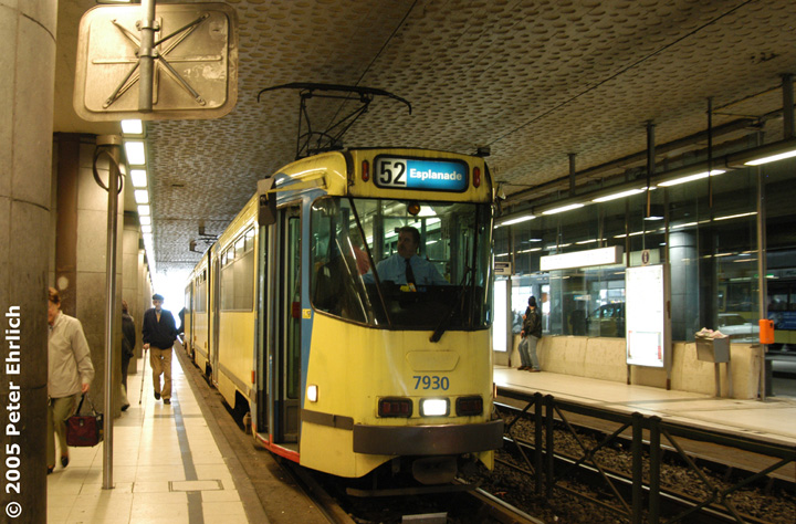 (172k, 720x474)<br><b>Country:</b> Belgium<br><b>City:</b> Brussels<br><b>System:</b> STIB (Societé des Transports Intercommunaux de Bruxelles)<br><b>Line:</b> North-South Premetro<br><b>Location:</b> Gare du Midi/Zuidstation (Premetro) <br><b>Route:</b> 52<br><b>Car:</b> Brussels 8-axle PCC (La Brugeoise)  7930 <br><b>Photo by:</b> Peter Ehrlich<br><b>Date:</b> 3/31/2005<br><b>Viewed (this week/total):</b> 1 / 945