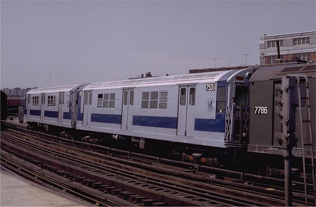 (187k, 1024x673)<br><b>Country:</b> United States<br><b>City:</b> New York<br><b>System:</b> New York City Transit<br><b>Line:</b> IRT White Plains Road Line<br><b>Location:</b> West Farms Sq./East Tremont Ave./177th St. <br><b>Route:</b> 2<br><b>Car:</b> R-22 (St. Louis, 1957-58) 7531 <br><b>Photo by:</b> Joe Testagrose<br><b>Date:</b> 5/6/1972<br><b>Viewed (this week/total):</b> 0 / 2580