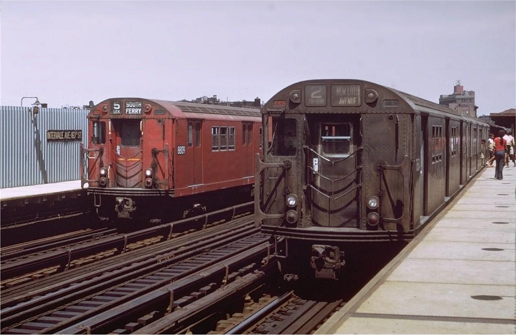 (165k, 1024x665)<br><b>Country:</b> United States<br><b>City:</b> New York<br><b>System:</b> New York City Transit<br><b>Line:</b> IRT White Plains Road Line<br><b>Location:</b> Intervale Avenue <br><b>Route:</b> 2<br><b>Car:</b> R-22 (St. Louis, 1957-58) 7634 <br><b>Photo by:</b> Doug Grotjahn<br><b>Collection of:</b> Joe Testagrose<br><b>Date:</b> 8/7/1971<br><b>Notes:</b> With R33 8809.<br><b>Viewed (this week/total):</b> 0 / 3725