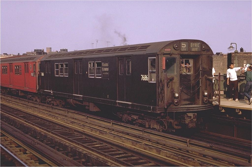 (231k, 1024x680)<br><b>Country:</b> United States<br><b>City:</b> New York<br><b>System:</b> New York City Transit<br><b>Line:</b> IRT White Plains Road Line<br><b>Location:</b> Intervale Avenue <br><b>Route:</b> 5<br><b>Car:</b> R-22 (St. Louis, 1957-58) 7686 <br><b>Photo by:</b> Joe Testagrose<br><b>Date:</b> 5/9/1970<br><b>Viewed (this week/total):</b> 4 / 2668