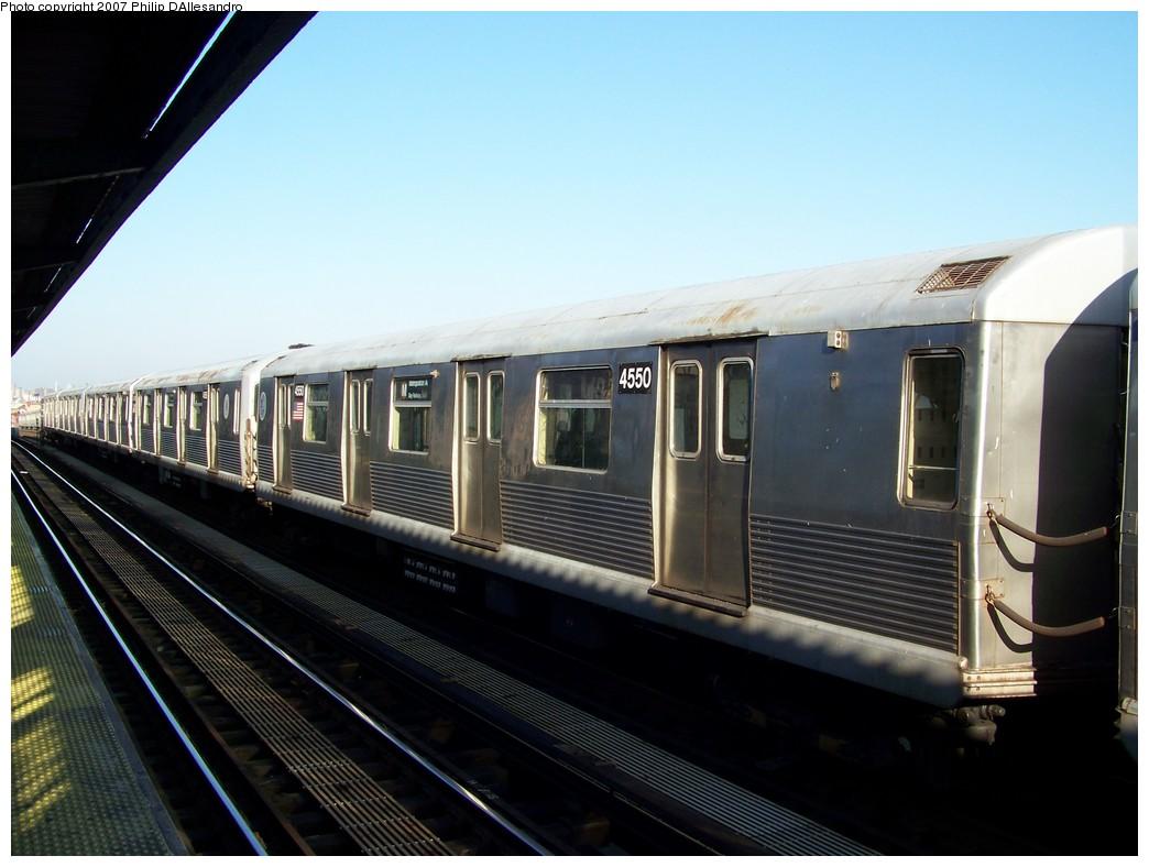 (176k, 1044x788)<br><b>Country:</b> United States<br><b>City:</b> New York<br><b>System:</b> New York City Transit<br><b>Line:</b> BMT Nassau Street/Jamaica Line<br><b>Location:</b> Chauncey Street <br><b>Car:</b> R-42 (St. Louis, 1969-1970)  4550 <br><b>Photo by:</b> Philip D'Allesandro<br><b>Date:</b> 12/28/2007<br><b>Viewed (this week/total):</b> 0 / 1899