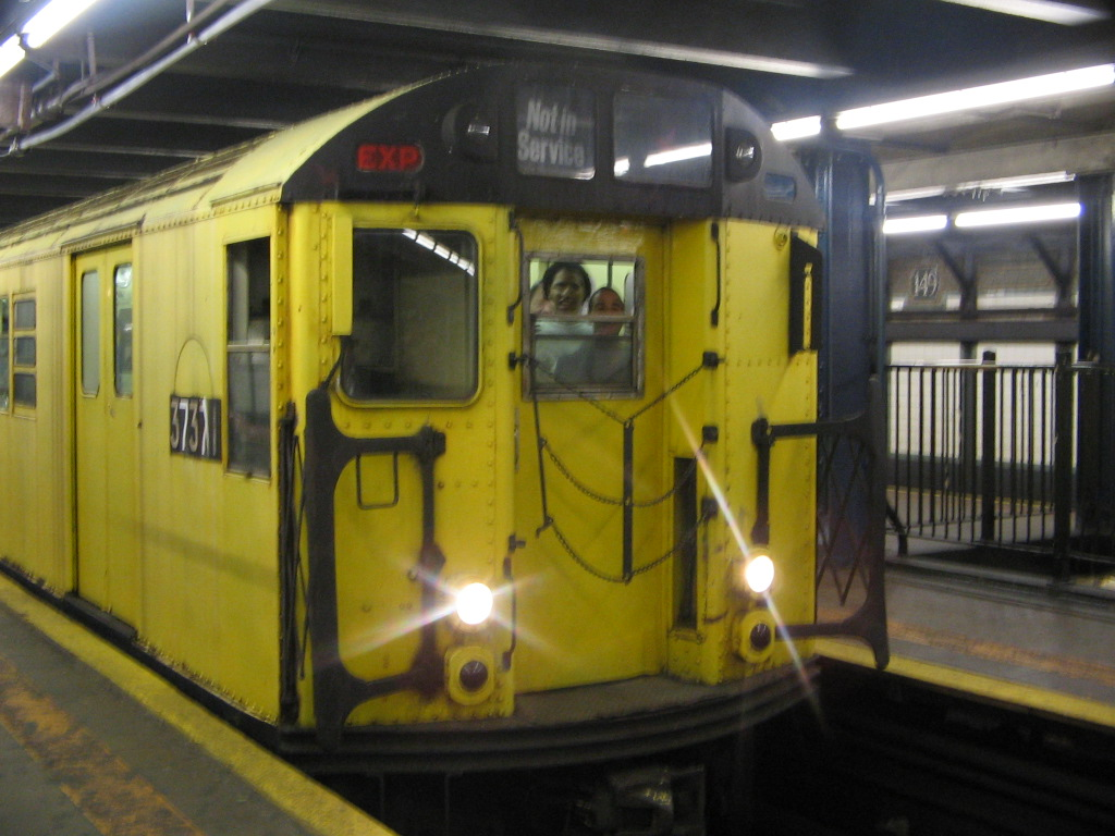 (226k, 1024x768)<br><b>Country:</b> United States<br><b>City:</b> New York<br><b>System:</b> New York City Transit<br><b>Line:</b> IRT Woodlawn Line<br><b>Location:</b> 149th Street/Grand Concourse <br><b>Route:</b> Fan Trip<br><b>Car:</b> R-22 (St. Louis, 1957-58) 37371 <br><b>Photo by:</b> Jose Martinez<br><b>Date:</b> 5/1/2005<br><b>Notes:</b> Work Motor 37371 on fantrip.<br><b>Viewed (this week/total):</b> 1 / 3951