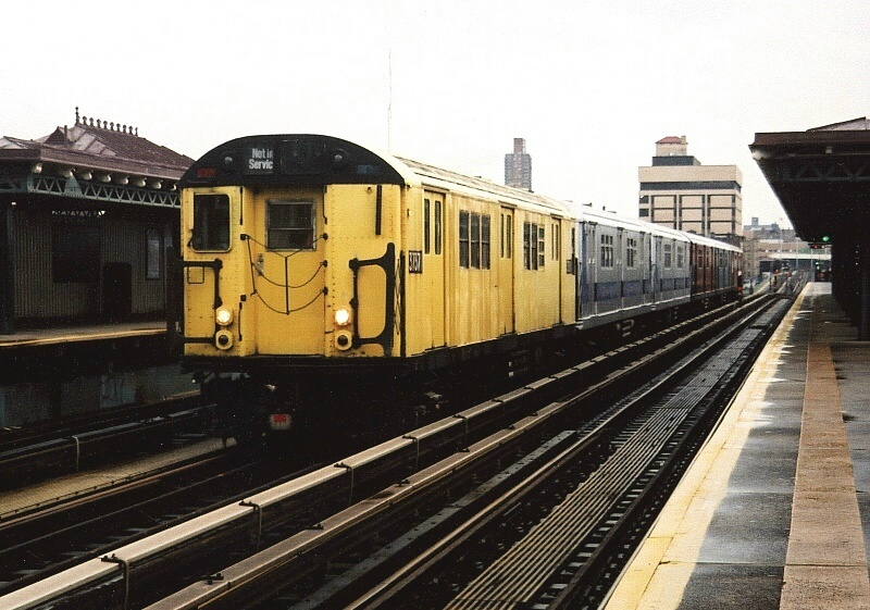 (207k, 800x561)<br><b>Country:</b> United States<br><b>City:</b> New York<br><b>System:</b> New York City Transit<br><b>Line:</b> IRT West Side Line<br><b>Location:</b> 207th Street <br><b>Route:</b> Fan Trip<br><b>Car:</b> R-22 (St. Louis, 1957-58) 37371 <br><b>Photo by:</b> Gary Chatterton<br><b>Date:</b> 5/1/2005<br><b>Notes:</b> Work Motor 37371 on fantrip.<br><b>Viewed (this week/total):</b> 1 / 2948
