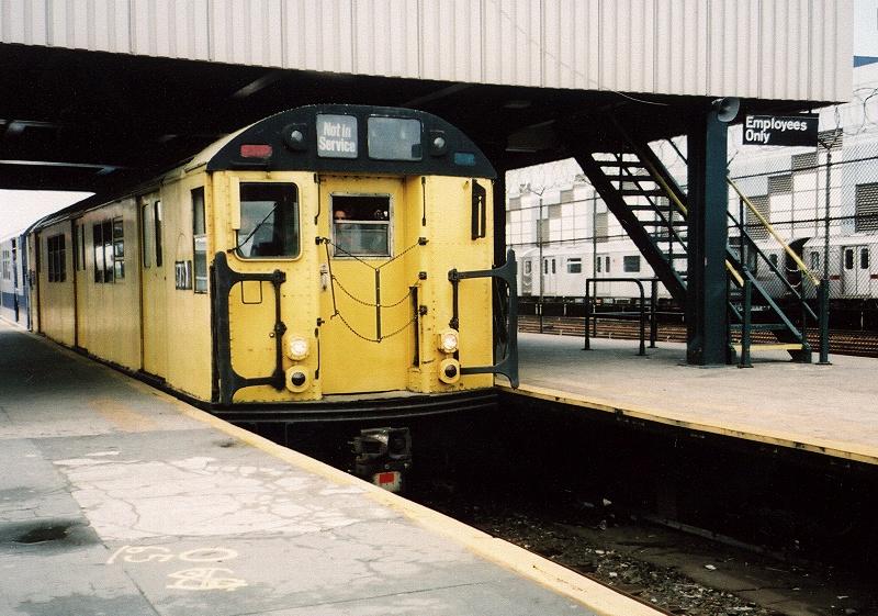 (236k, 800x561)<br><b>Country:</b> United States<br><b>City:</b> New York<br><b>System:</b> New York City Transit<br><b>Line:</b> IRT White Plains Road Line<br><b>Location:</b> East 180th Street <br><b>Route:</b> Fan Trip<br><b>Car:</b> R-22 (St. Louis, 1957-58) 37371 <br><b>Photo by:</b> Gary Chatterton<br><b>Date:</b> 5/1/2005<br><b>Notes:</b> Work Motor 37371 on fantrip.<br><b>Viewed (this week/total):</b> 0 / 2262