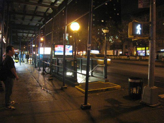 (59k, 640x480)<br><b>Country:</b> United States<br><b>City:</b> New York<br><b>System:</b> New York City Transit<br><b>Line:</b> IRT West Side Line<br><b>Location:</b> 103rd Street <br><b>Photo by:</b> David Blair<br><b>Date:</b> 4/1/2008<br><b>Viewed (this week/total):</b> 4 / 1486