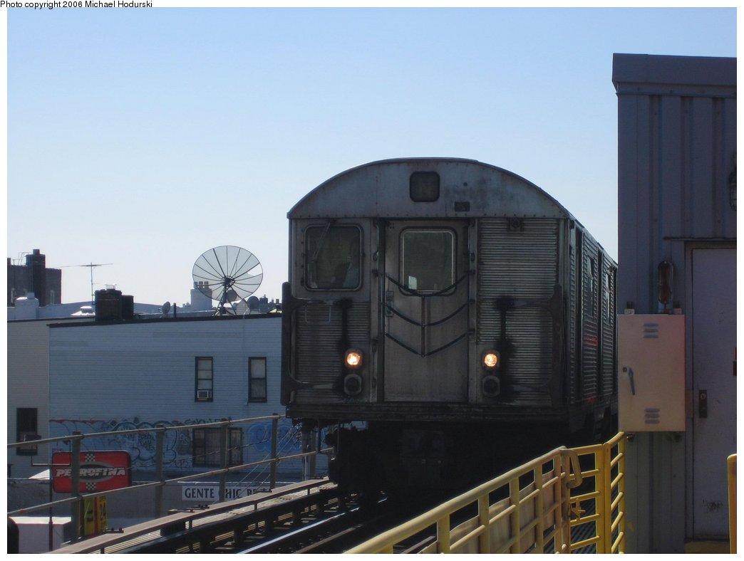 (110k, 1044x788)<br><b>Country:</b> United States<br><b>City:</b> New York<br><b>System:</b> New York City Transit<br><b>Line:</b> BMT Astoria Line<br><b>Location:</b> Ditmars Boulevard <br><b>Route:</b> N<br><b>Car:</b> R-32 (Budd, 1964)   <br><b>Photo by:</b> Michael Hodurski<br><b>Date:</b> 3/11/2006<br><b>Viewed (this week/total):</b> 2 / 3606