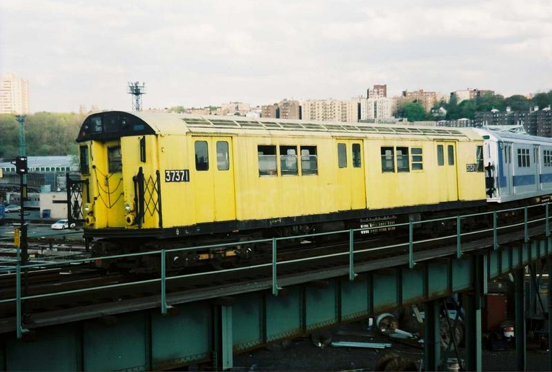 (60k, 800x540)<br><b>Country:</b> United States<br><b>City:</b> New York<br><b>System:</b> New York City Transit<br><b>Location:</b> 207th Street Yard<br><b>Route:</b> Fan Trip<br><b>Car:</b> R-22 (St. Louis, 1957-58) 37371 <br><b>Photo by:</b> Gary Chatterton<br><b>Date:</b> 5/1/2005<br><b>Notes:</b> Work Motor 37371 on fantrip.<br><b>Viewed (this week/total):</b> 1 / 2253