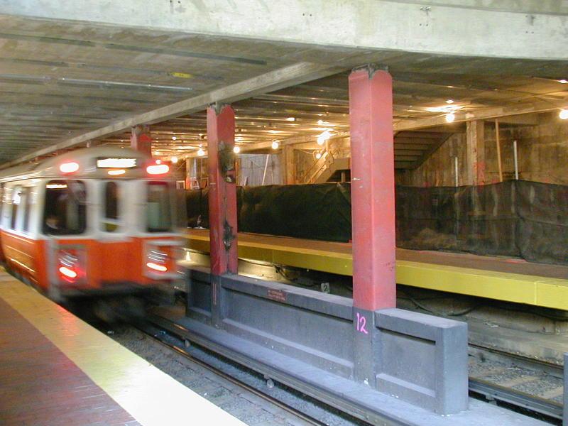 (90k, 800x600)<br><b>Country:</b> United States<br><b>City:</b> Boston, MA<br><b>System:</b> MBTA<br><b>Line:</b> MBTA Orange Line<br><b>Location:</b> North Station <br><b>Car:</b> MBTA 01200 Series (Hawker-Siddley, 1980-1981)   <br><b>Photo by:</b> Todd Glickman<br><b>Date:</b> 4/17/2000<br><b>Notes:</b> Orange Line train enters North Station, inbound to Boston, then Forest Hills.<br><b>Viewed (this week/total):</b> 1 / 2261