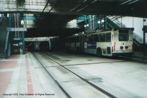 (76k, 578x386)<br><b>Country:</b> United States<br><b>City:</b> Seattle, WA<br><b>System:</b> Metro Transit/King County DOT<br><b>Line:</b> Seattle Metro Tunnel<br><b>Location:</b> International District<br><b>Photo by:</b> Paul Schlienz<br><b>Date:</b> 3/17/2001<br><b>Notes:</b> Breda Dual Mode Articulateds 5007 and 5034<br><b>Viewed (this week/total):</b> 2 / 3882