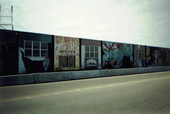 (16k, 585x395)<br><b>Country:</b> United States<br><b>City:</b> Seattle, WA<br><b>System:</b> Metro Transit/King County DOT<br><b>Line:</b> Seattle Metro Tunnel<br><b>Location:</b> South Spokane Street<br><b>Photo by:</b> Paul Schlienz<br><b>Date:</b> 3/5/2001<br><b>Notes:</b> Murals<br><b>Viewed (this week/total):</b> 2 / 1584