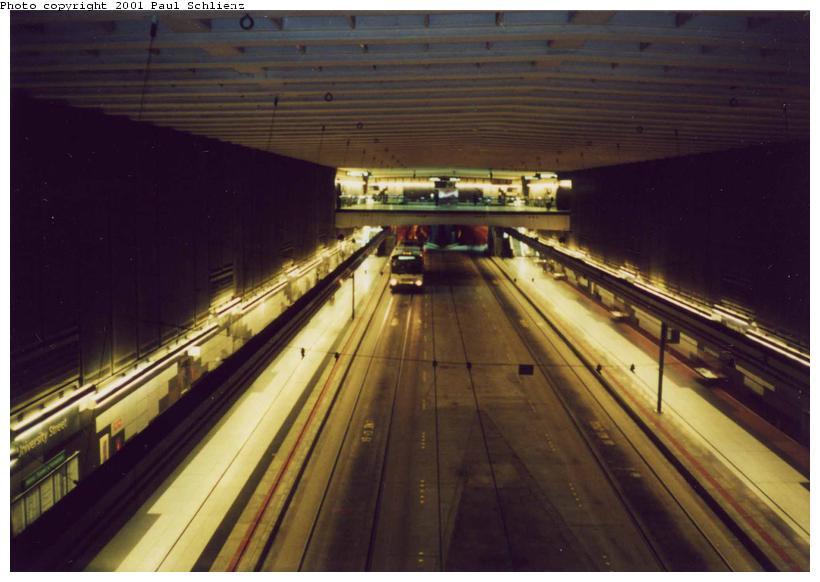 (61k, 820x582)<br><b>Country:</b> United States<br><b>City:</b> Seattle, WA<br><b>System:</b> Metro Transit/King County DOT<br><b>Line:</b> Seattle Metro Tunnel<br><b>Location:</b> University St<br><b>Photo by:</b> Paul Schlienz<br><b>Date:</b> 3/5/2001<br><b>Viewed (this week/total):</b> 0 / 2725
