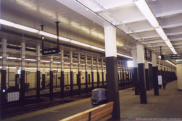 (79k, 740x495)<br><b>Country:</b> United States<br><b>City:</b> Newark, NJ<br><b>System:</b> Newark City Subway<br><b>Line:</b> 7-City Subway<br><b>Location:</b> Military Park (formerly Broad Street) <br><b>Photo by:</b> Wayne Whitehorne<br><b>Date:</b> 3/13/2000<br><b>Notes:</b> Broad Street Station<br><b>Viewed (this week/total):</b> 0 / 3941