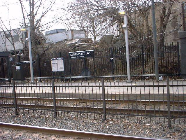 (112k, 640x480)<br><b>Country:</b> United States<br><b>City:</b> Newark, NJ<br><b>System:</b> Newark City Subway<br><b>Line:</b> 7-City Subway<br><b>Location:</b> Davenport Avenue <br><b>Photo by:</b> Peggy Darlington<br><b>Date:</b> 2001<br><b>Viewed (this week/total):</b> 3 / 3149