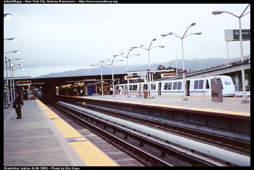 (95k, 824x553)<br><b>Country:</b> United States<br><b>City:</b> San Francisco/Bay Area, CA<br><b>System:</b> BART<br><b>Location:</b> MacArthur<br><b>Photo by:</b> Eric Haas<br><b>Date:</b> 5/20/1999<br><b>Viewed (this week/total):</b> 0 / 2735