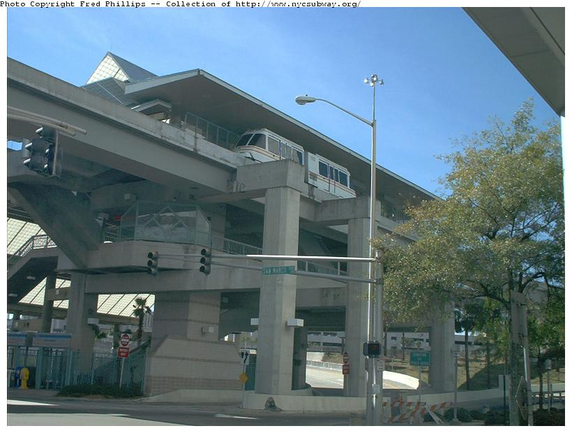 (84k, 820x620)<br><b>Country:</b> United States<br><b>City:</b> Jacksonville, FL<br><b>System:</b> Jacksonville Skyway<br><b>Photo by:</b> Fred Phillips<br><b>Date:</b> 2/2/2003<br><b>Viewed (this week/total):</b> 0 / 5571