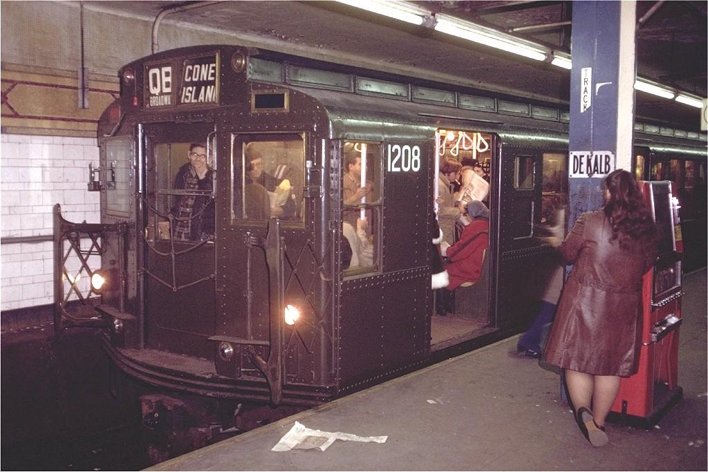 (223k, 1024x683)<br><b>Country:</b> United States<br><b>City:</b> New York<br><b>System:</b> New York City Transit<br><b>Location:</b> DeKalb Avenue<br><b>Route:</b> QB<br><b>Car:</b> R-6-2 (Pullman, 1936)  1208 <br><b>Photo by:</b> Doug Grotjahn<br><b>Collection of:</b> Joe Testagrose<br><b>Date:</b> 12/2/1971<br><b>Viewed (this week/total):</b> 4 / 7607