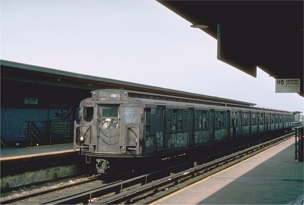 (157k, 1024x690)<br><b>Country:</b> United States<br><b>City:</b> New York<br><b>System:</b> New York City Transit<br><b>Line:</b> IND Rockaway Line<br><b>Location:</b> Beach 90th Street/Holland<br><b>Route:</b> E<br><b>Car:</b> R-6-2 (Pullman, 1936) 1217 <br><b>Photo by:</b> Ed McKernan<br><b>Collection of:</b> Joe Testagrose<br><b>Date:</b> 5/31/1976<br><b>Viewed (this week/total):</b> 0 / 3673