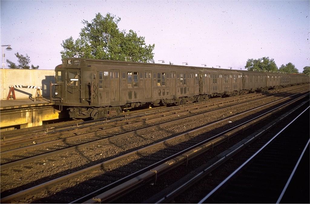 (242k, 1024x675)<br><b>Country:</b> United States<br><b>City:</b> New York<br><b>System:</b> New York City Transit<br><b>Line:</b> IND Rockaway<br><b>Location:</b> Aqueduct/North Conduit Avenue <br><b>Route:</b> E<br><b>Car:</b> R-6-2 (Pullman, 1936)  1289 <br><b>Photo by:</b> Doug Grotjahn<br><b>Collection of:</b> Joe Testagrose<br><b>Date:</b> 5/28/1970<br><b>Viewed (this week/total):</b> 1 / 3323