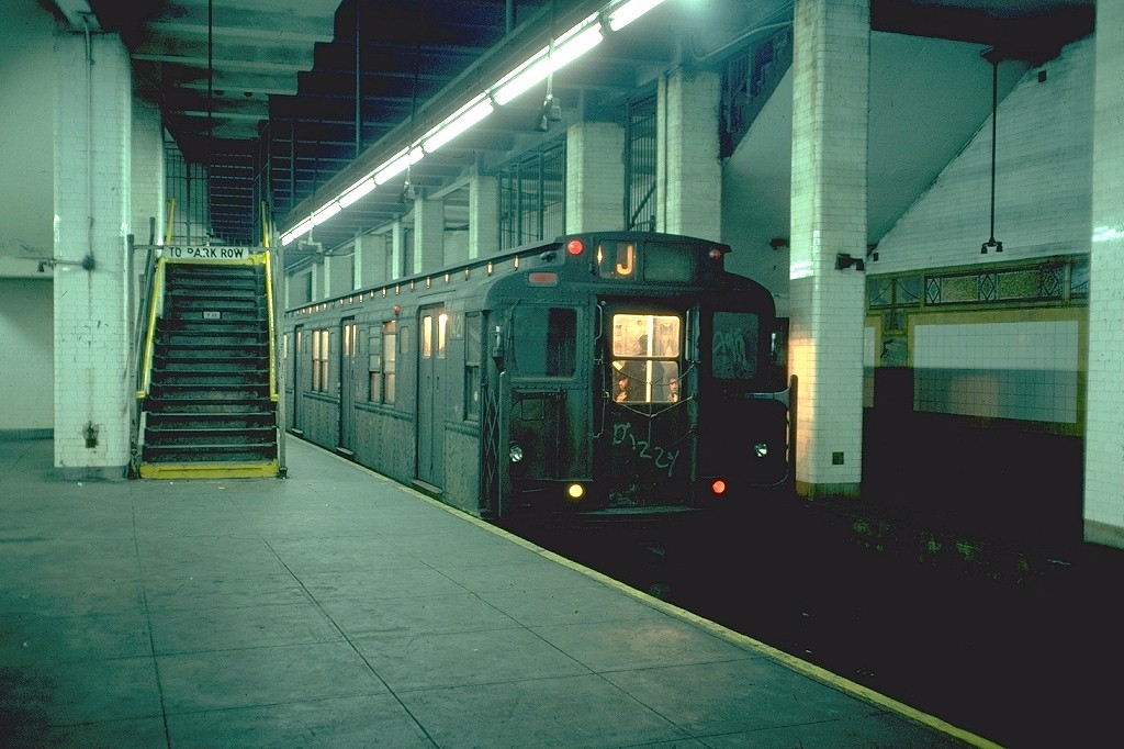 (187k, 1024x682)<br><b>Country:</b> United States<br><b>City:</b> New York<br><b>System:</b> New York City Transit<br><b>Line:</b> BMT Nassau Street/Jamaica Line<br><b>Location:</b> Chambers Street <br><b>Route:</b> J<br><b>Car:</b> R-6-3 (American Car & Foundry, 1935)  1421 <br><b>Photo by:</b> Doug Grotjahn<br><b>Collection of:</b> Joe Testagrose<br><b>Date:</b> 12/22/1976<br><b>Viewed (this week/total):</b> 4 / 8779